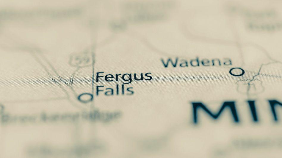 Landkarte mit Fergus Falls: »Warum bist du in unsere Stadt gekommen, um Fiktion zu schreiben?«