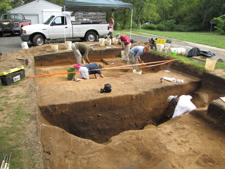 Ausgrabungen am Pig Point: Gruben über lange Zeiträume hinweg geöffnet und gefüllt
