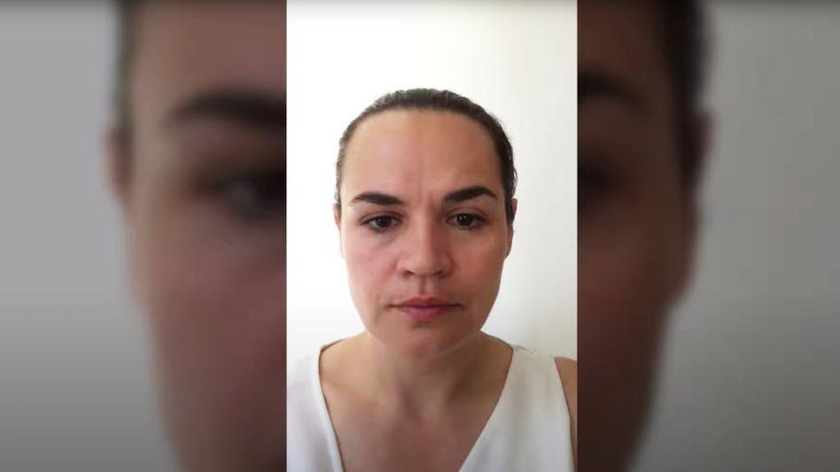 Swetlana Tichanowskaja in ihrem Youtube-Video