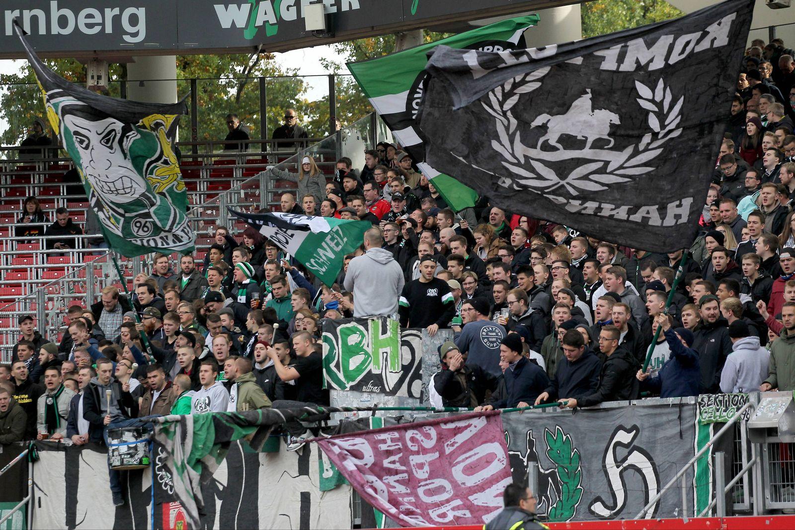 EINMALIGE VERWENDUNG Hannover / Nürnberg / Fahne Rising Boys