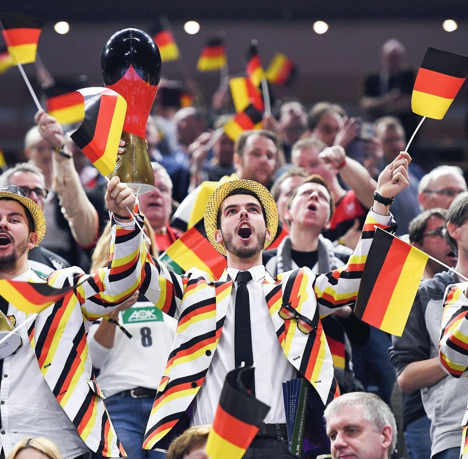 Handball-Fans Begegnung Deutschland–Island