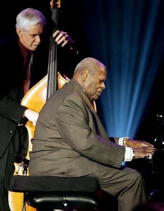 Jazzpianist: Wenn Jazzmusiker improvisieren, lassen sie ihren Gedanken und Ideen freien Lauf - das sieht man auch im Hirn-Scan