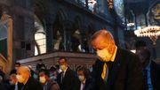 Erdogan feiert Umwandlung der Hagia Sophia mit erstem Freitagsgebet
