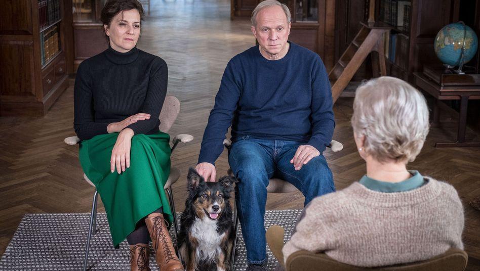 """Martina Gedeck mit Filmhund und -Mann: """"Man kann 26 Jahre Ehe nicht ausradieren"""""""