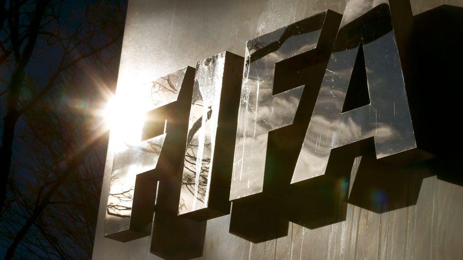 Fifa-Logo am Hauptquartier des Fußball-Weltverbands in Zürich