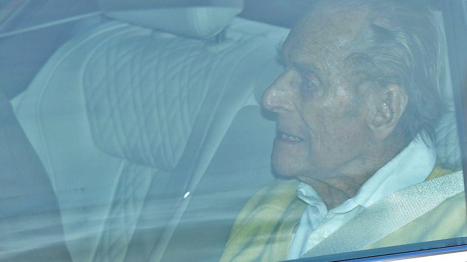 Prinz Philip beim Verlassen des Krankenhauses
