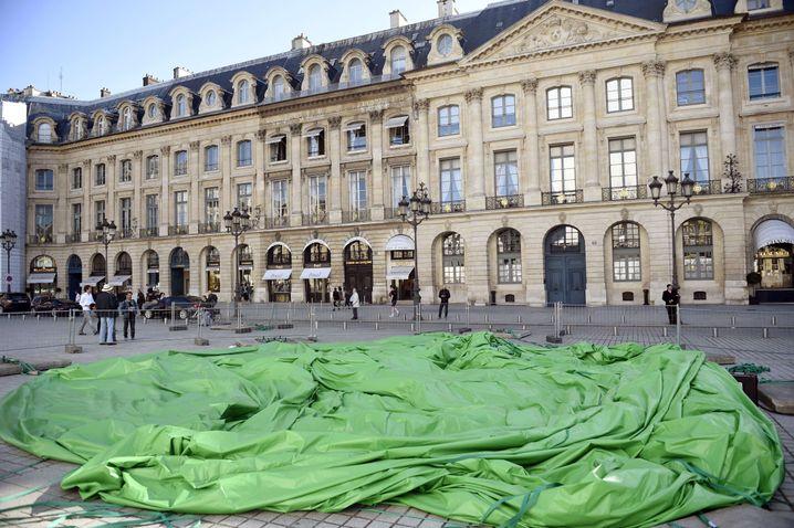 Skulptur ohne Luft am Samstag: Unbekannte störten die Ausstellung