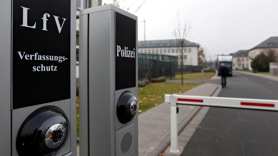 Landesamt für Verfassungschutz in Wiesbaden: Pannen und Merkwürdigkeiten