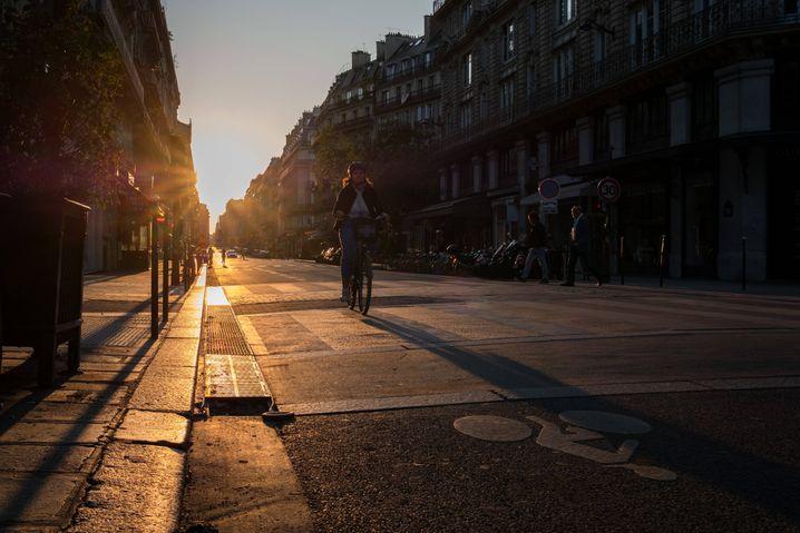 Radfahrer während des Lockdowns im Mai in Paris