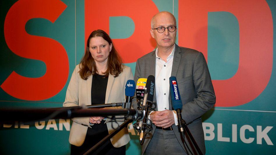 Melanie Leonhard und Peter Tschentscher nach dem Treffen des Hamburger SPD-Vorstands: Grünes Licht für Rot-Grün