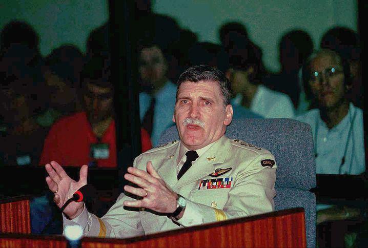 Uno-General Romeo Dallaire (1998 beim Ruanda-Tribunal in Tansania): Er konnte das Morden nicht stoppen