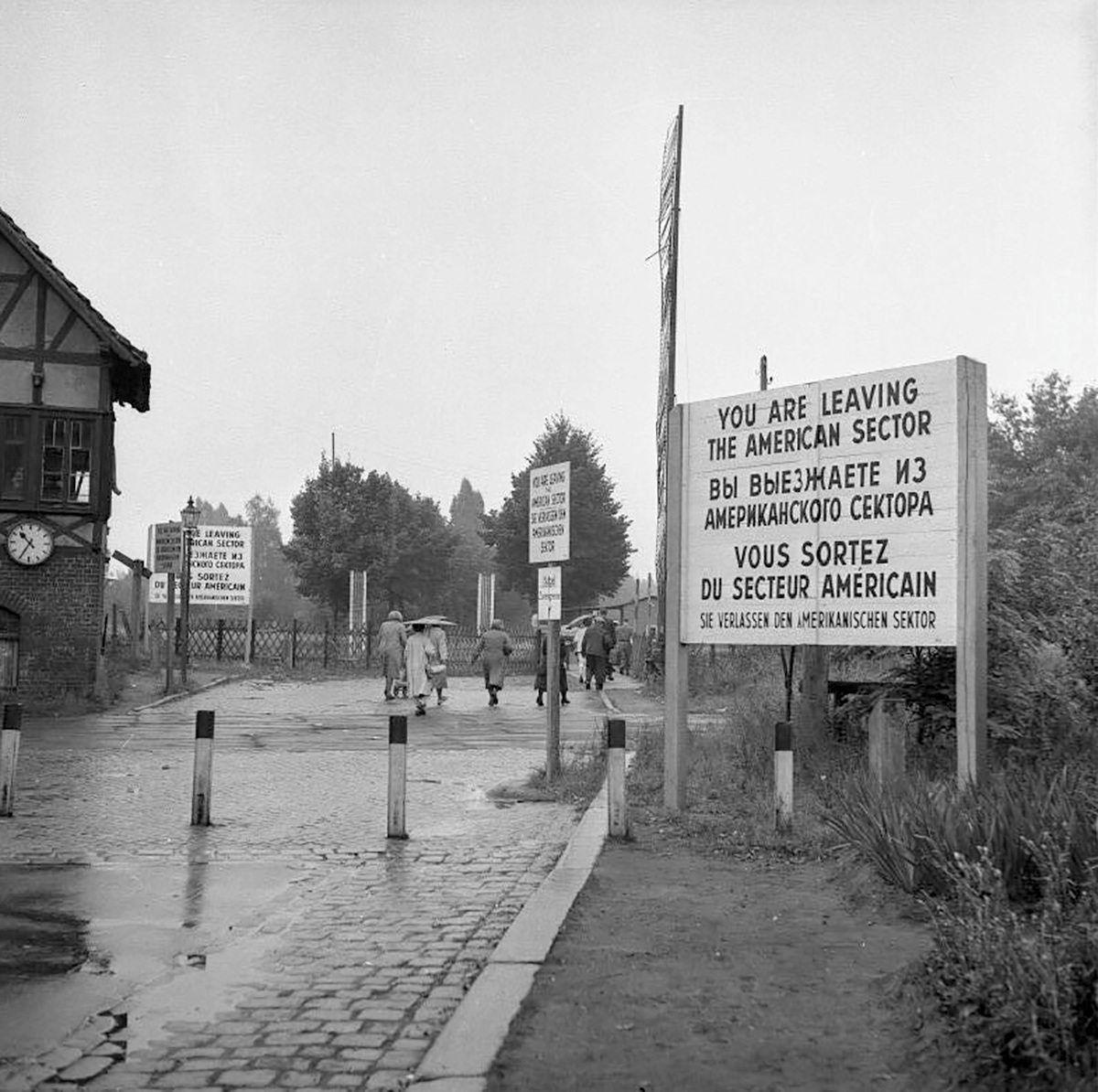 Berlin, Zonengrenze, Grenzübergang