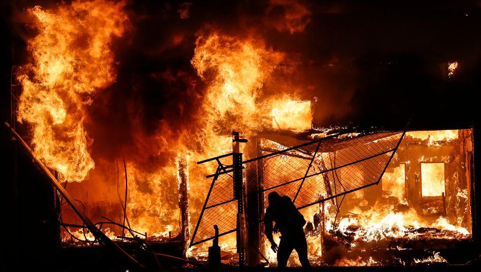 Brennendes Haus in Minneapolis: Mehr als 200 Gebäude wurden während der Proteste in der Stadt bisher angezündet