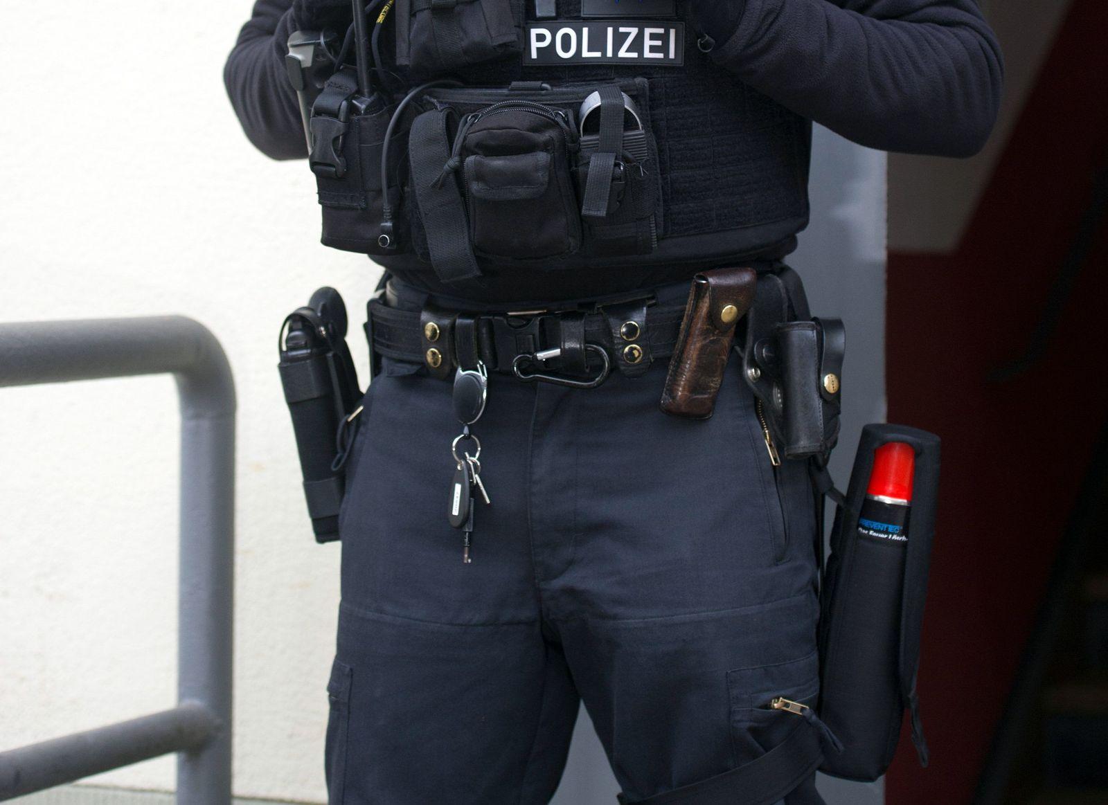 Berlin / Razzia / Islamisten / Polizisten