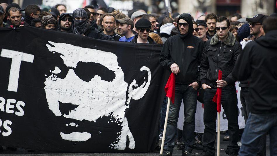 """Demonstration für den getöteten Antifa-Aktivisten in Paris (Archivbild): """"Abscheuliche Tat"""""""
