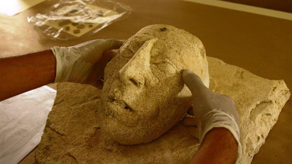 Maske, die wahrscheinlich den Maya-Herrscher Pakal darstellt