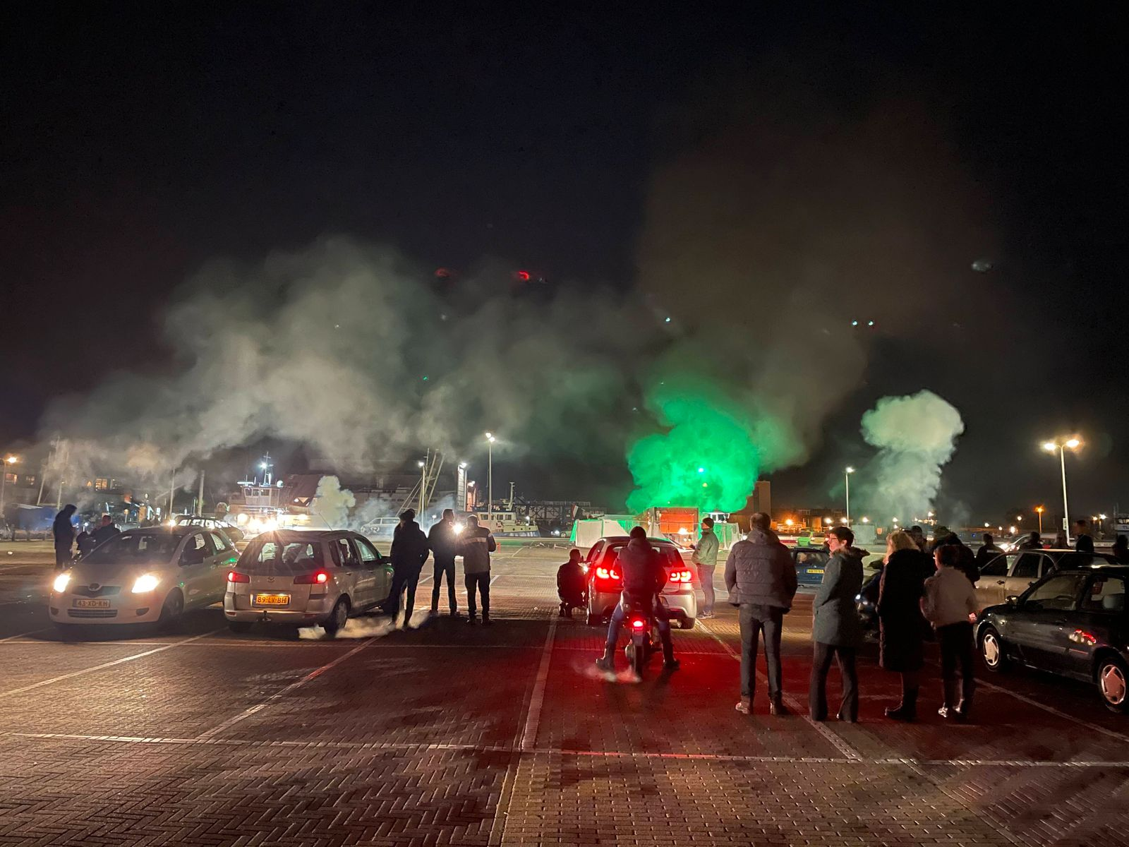 URK - 23-01-2021. In Urk people turned against the police en masse after the curfew. Among other things, a coronavirus