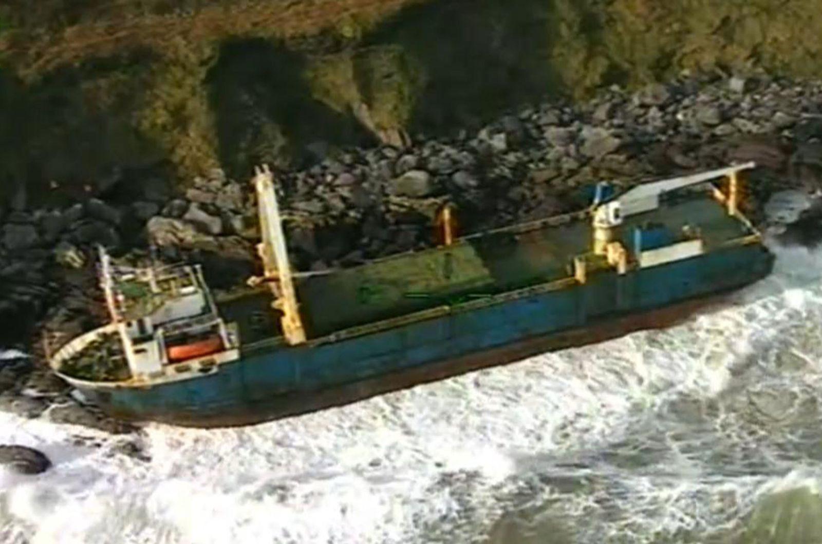 IRELAND-EUROPE-MARITIME-WEATHER-SHIPPING-TRANSPORT
