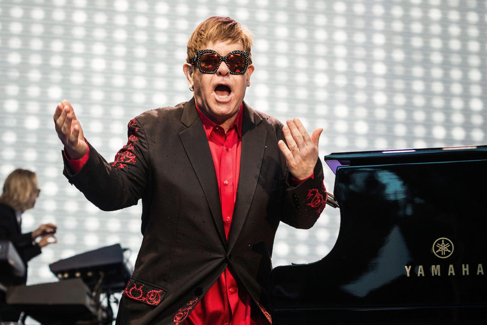 Elton John Performs In Zurich