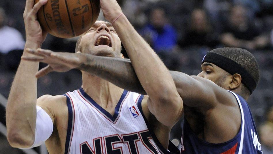 Nets-Basketballer Lopez (l.): Muskeln für den Kampf unter den Körben