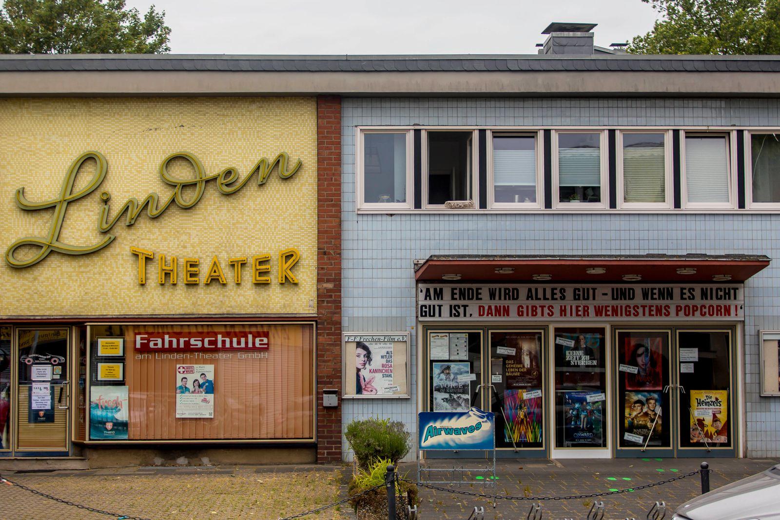 Das kleine Kino Linden-Theater in Frechen ( Rhein-Erft-Kreis / NRW ) ist derzeit wegen der Coronapandemie geschlossen. -