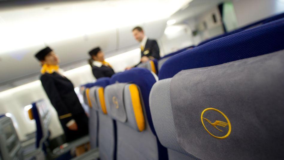 Flugbegleiter der Lufthansa: Drohender Arbeitskampf des Kabinenpersonals