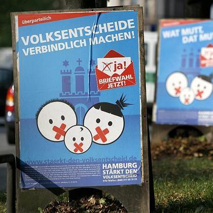 Wahlplakat für den Volksentscheid: Mehr direkte Demokratie?