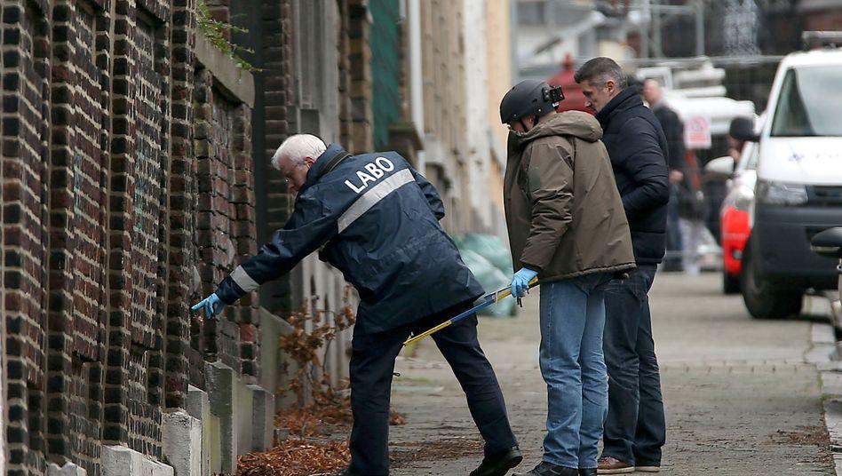 Polizisten beim Einsatz in Verviers: Großalarm in Belgien