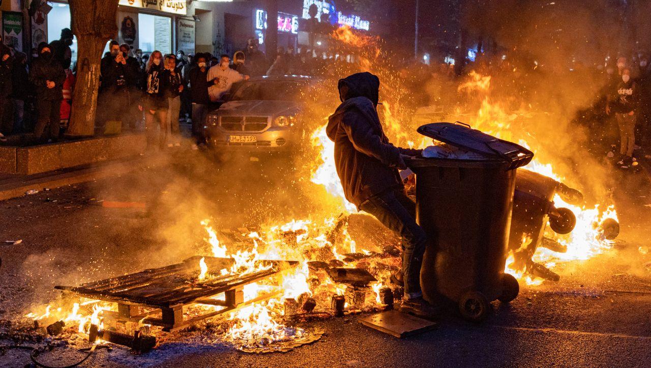 Baerbock kritisiert nach 1. Mai linke Gewalt gegen Polizisten