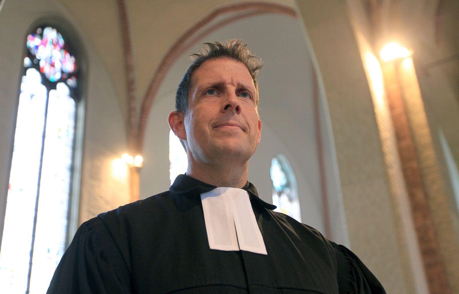 Pastor Olaf Latze