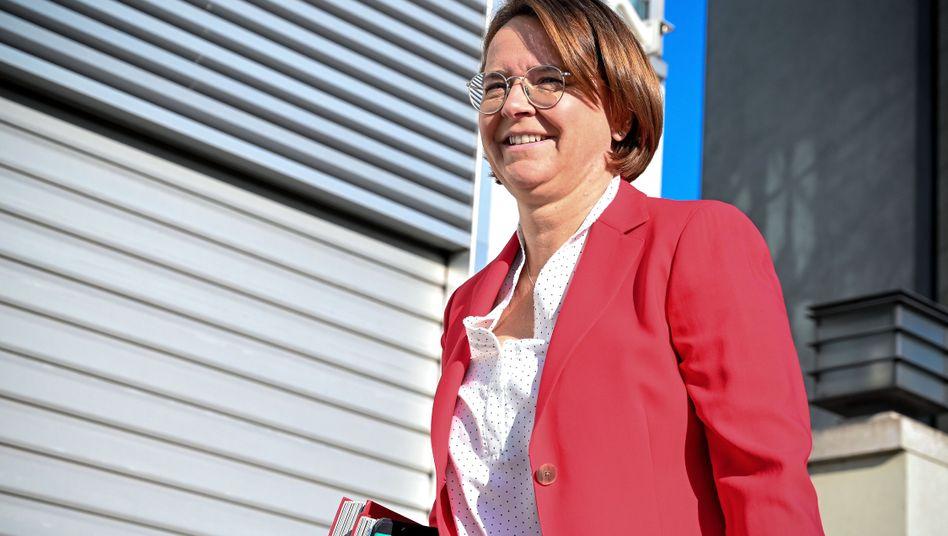 """Annette Widmann-Mauz: """"Das Ziel ist halbe-halbe"""""""