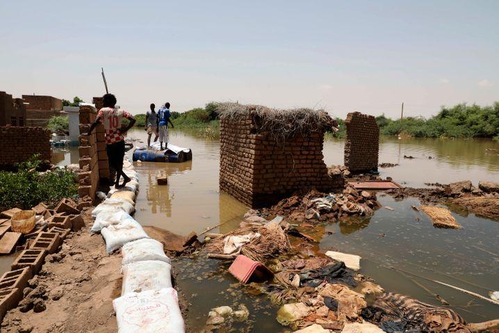 Das Hochwasser hat an vielen Stellen Chaos angerichtet