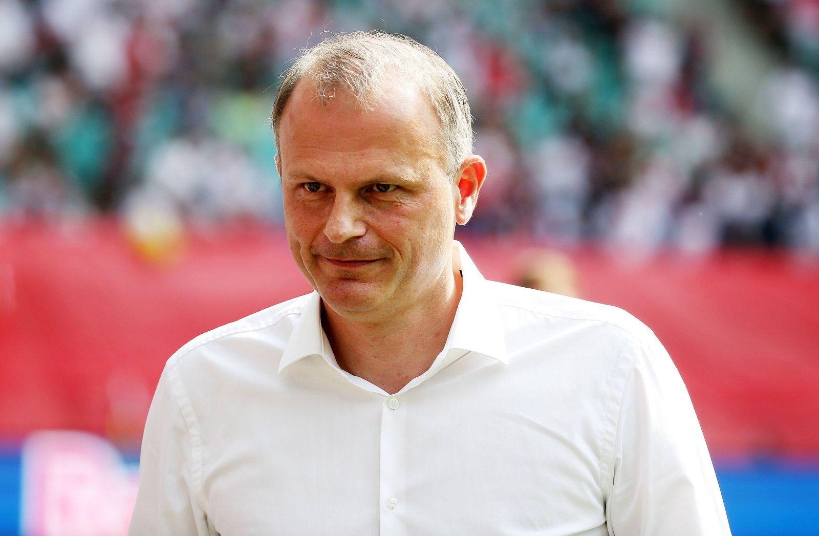 EINMALIGE VERWENDUNG Jochen Schneider