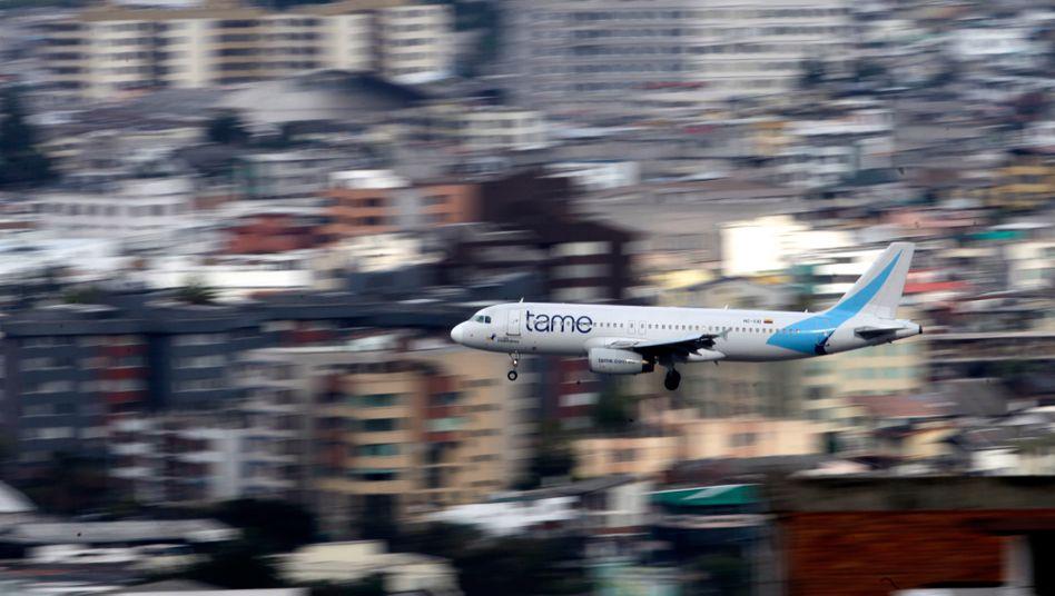 Kurz vor der Landung auf dem Flughafen Quito (Archiv)