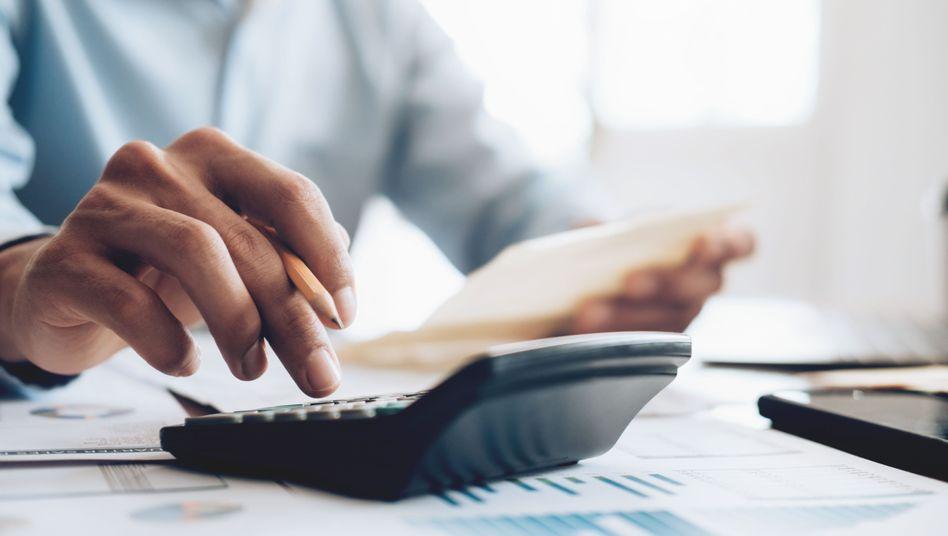 Schuldnerberater sind mit den Existenzängsten ihrer Klienten konfrontiert