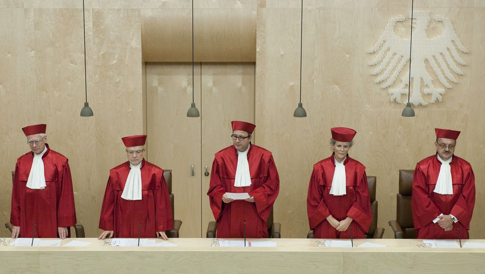 """Germany's Constitutional Court sees itself in a """"latent constitutional crisis."""""""