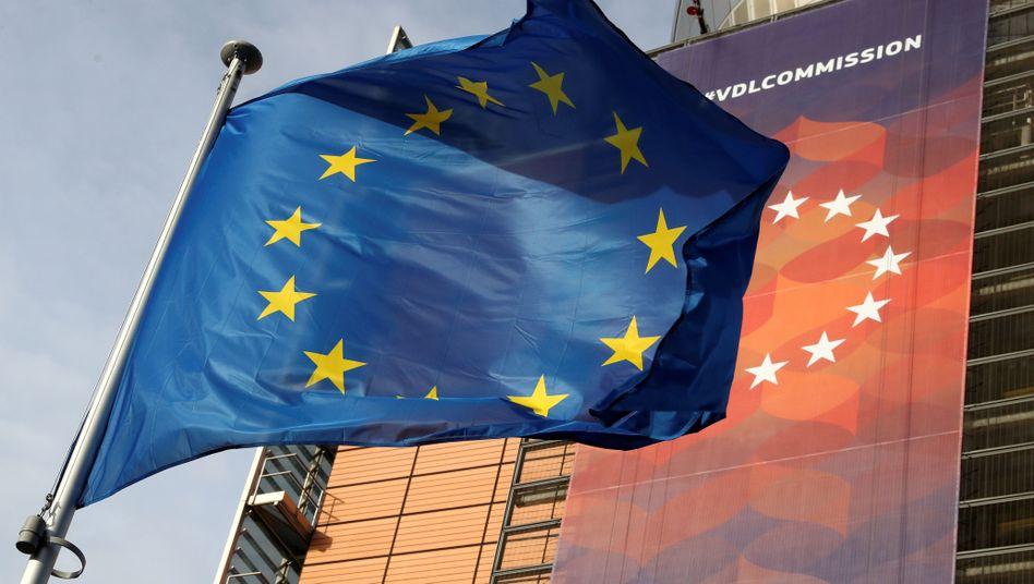 Die europäische Fahne vor der EU-Kommission (Archivbild)