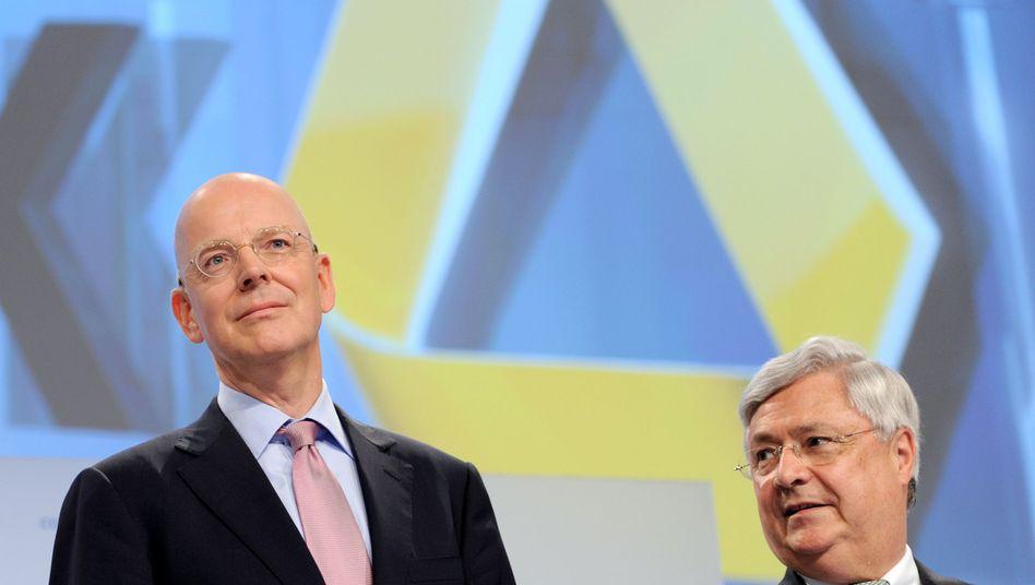 """Bankchef Blessing (l.), Vorgänger Müller: """"Das hätte man nicht schlechter machen können"""""""