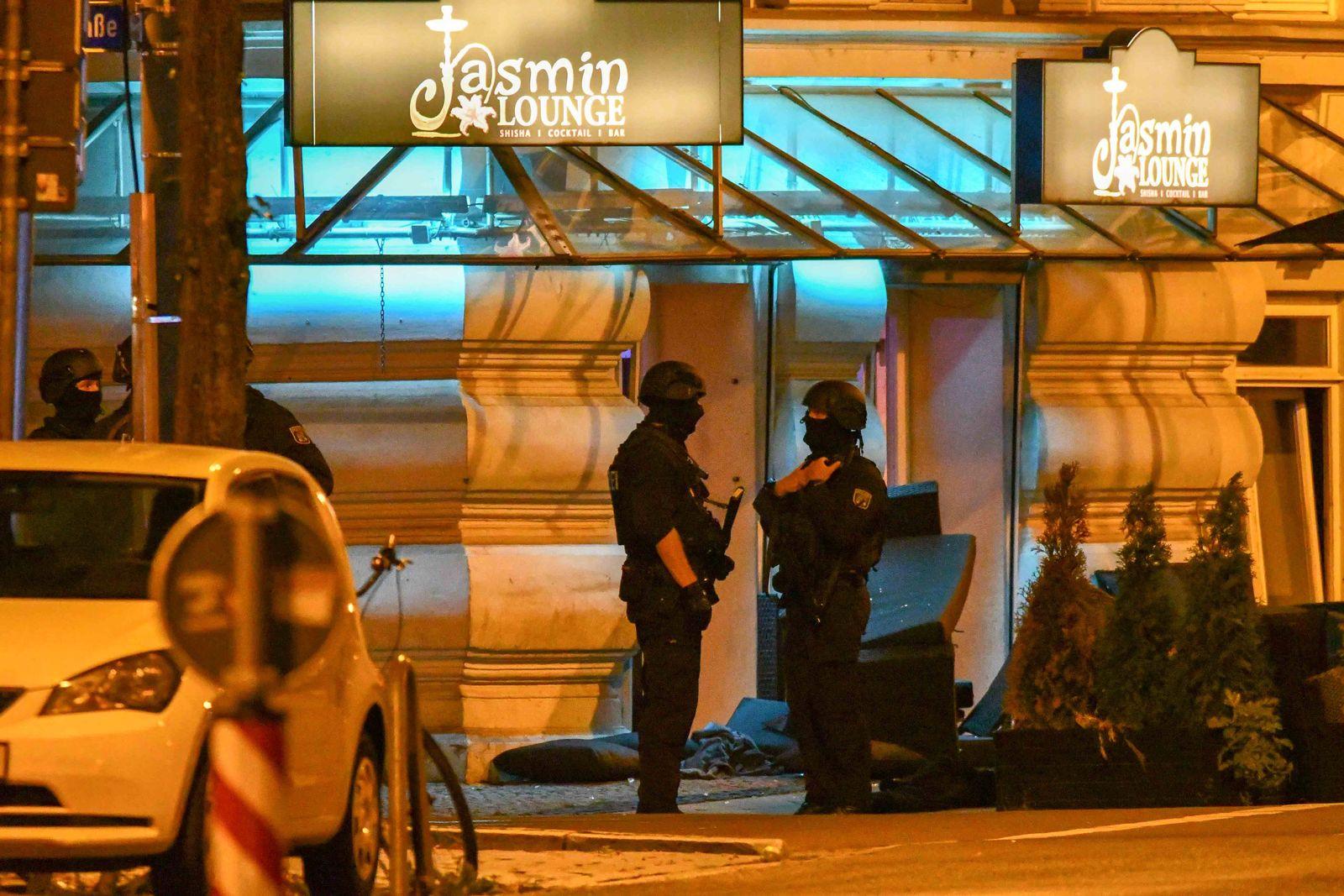 Verletzte nach Schießerei vor Shisha-Bar