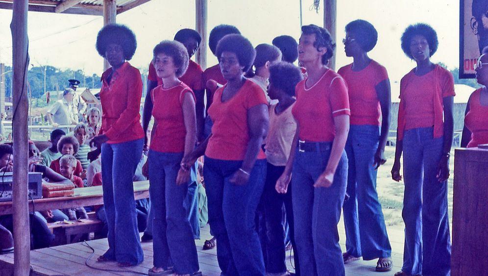 """In der Hölle von Jonestown: """"Sterbt mit einer gewissen Würde"""""""