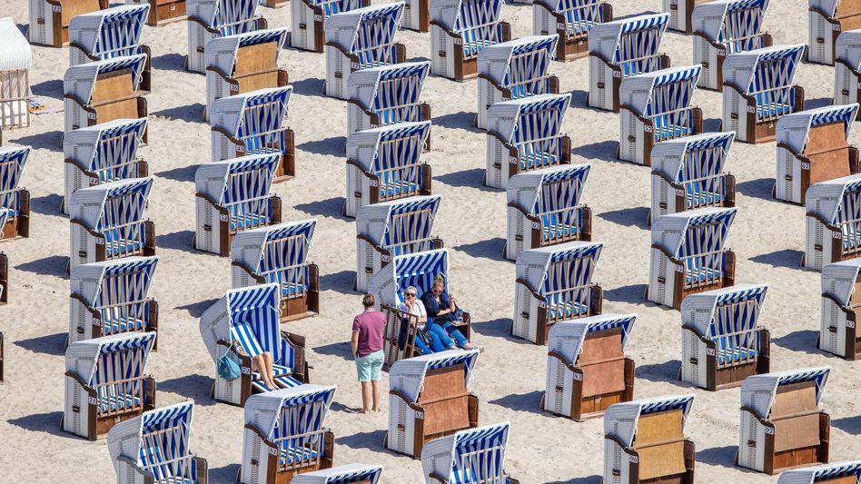 Pfingsten 2020 am Strand von Warnemünde