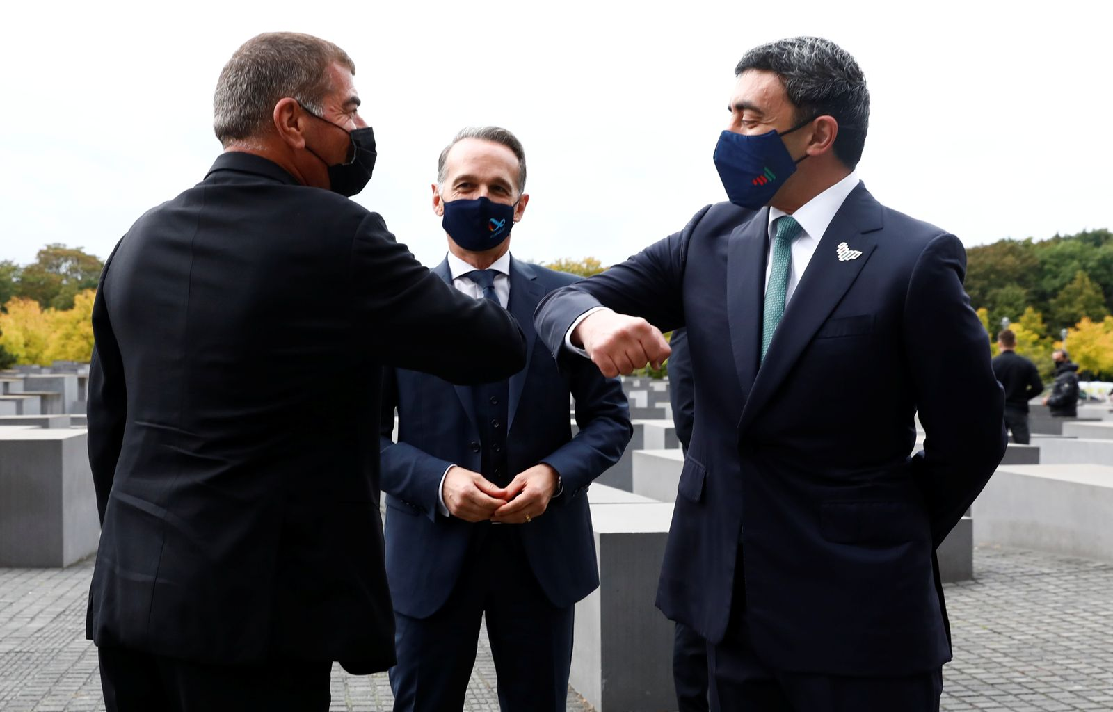 UAE Foreign Minister Sheikh Abdullah bin Zayed al-Nahyan and his Israeli counterpart Gabi Ashkenazi visit the Holocaust memorial together with German Foreign Minister Heiko Maas prior to their historic meeting in Berlin