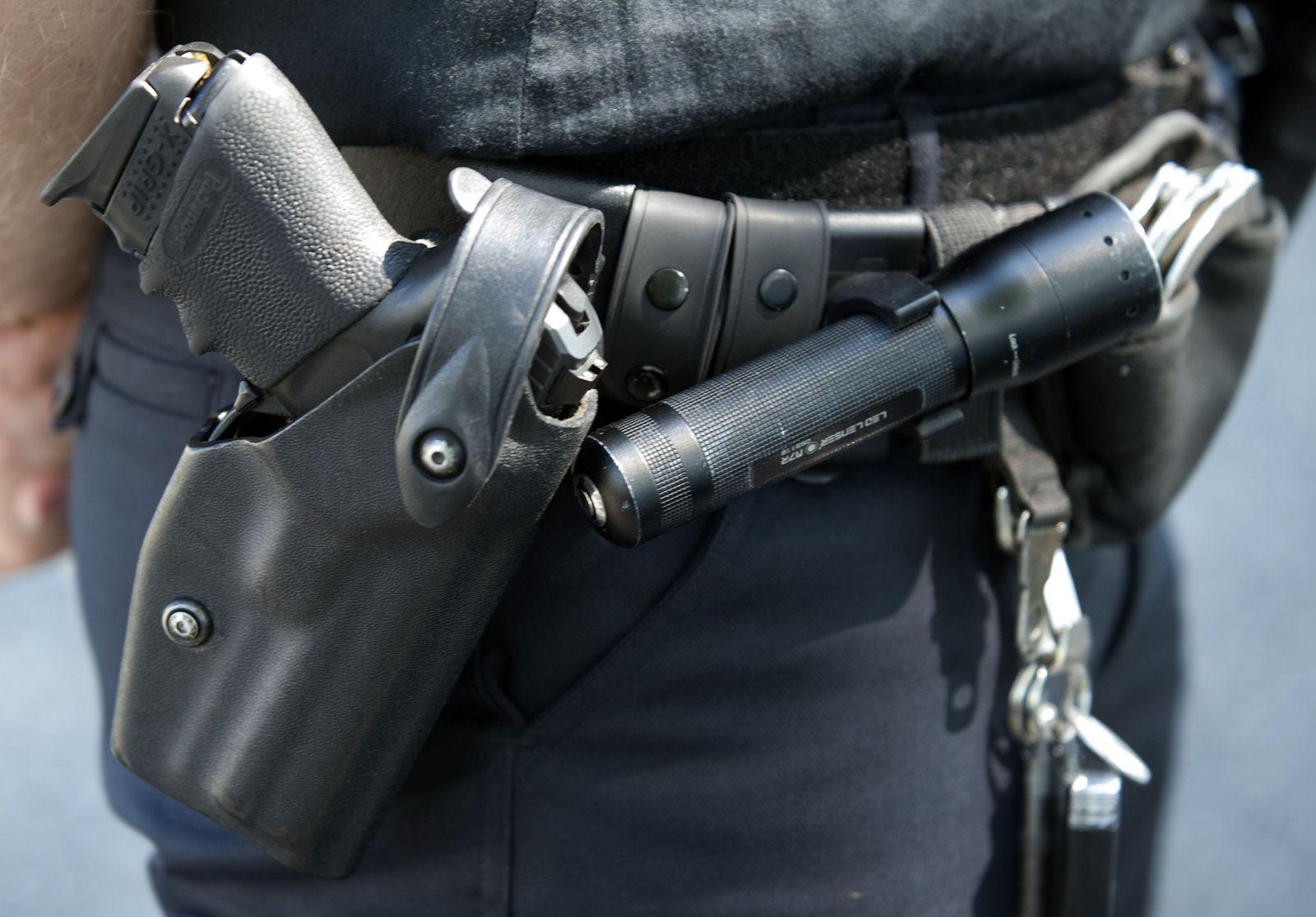 Polizei / Waffe