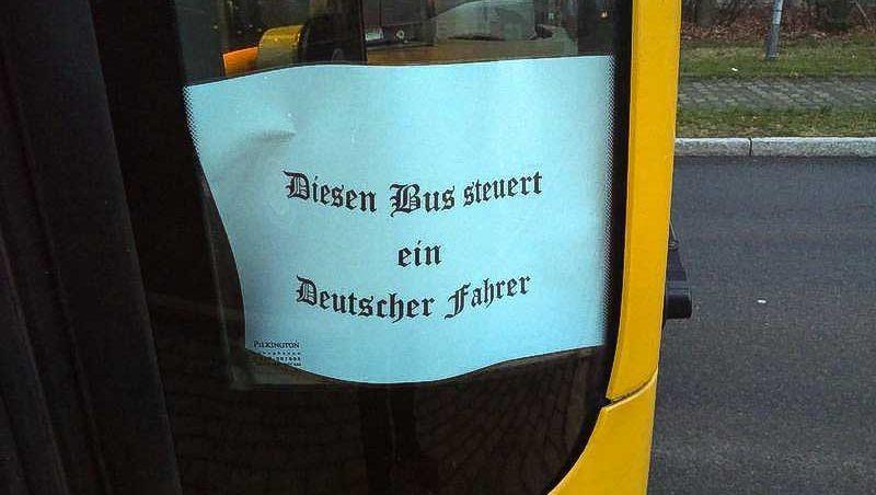 """Aushang in Dresdner Bus: """"Ich war baff"""""""