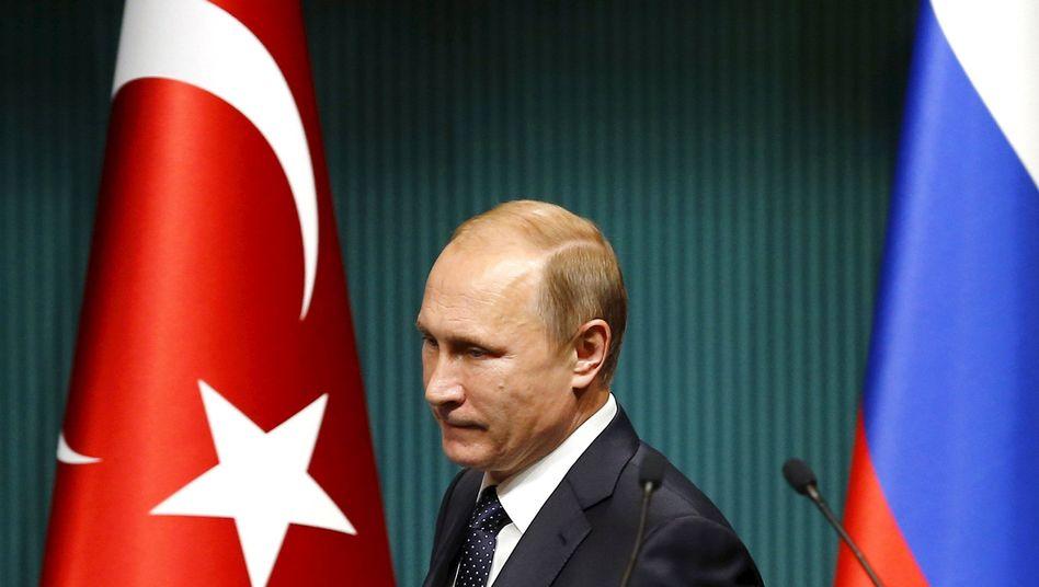 Wladimir Putin zu Besuch in Ankara im Dezember 2014: Derzeit herrscht Funkstille