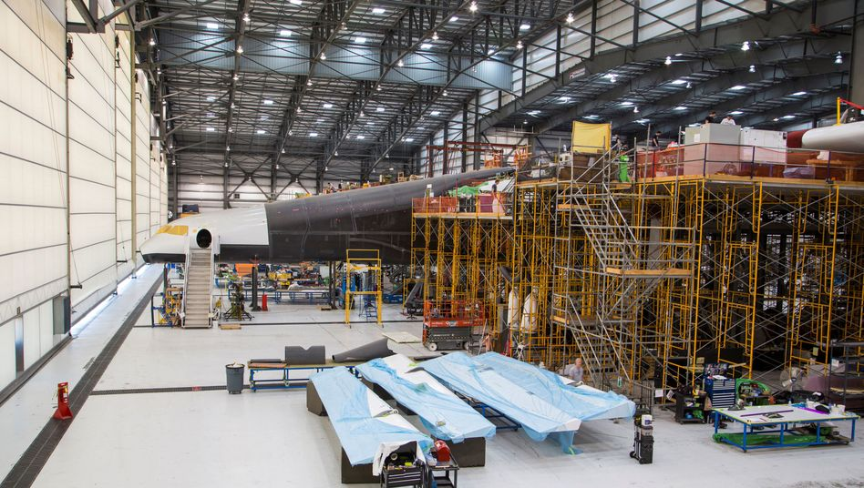 Arbeiten an Stratolaunch bei Scaled Composites