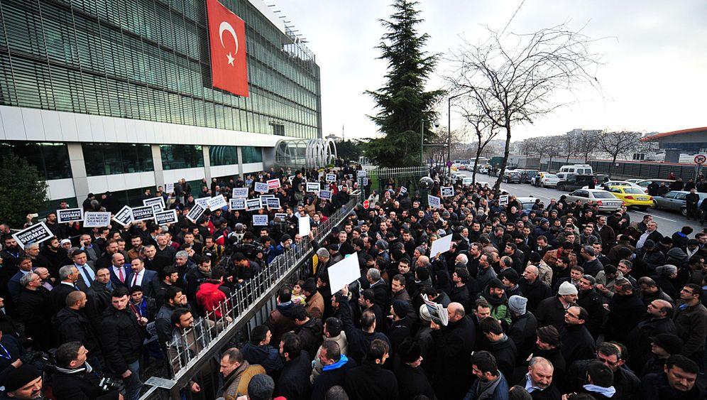 Fotostrecke: Journalisten in der Türkei festgenommen