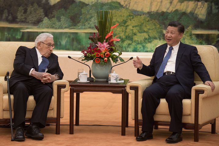 Henry Kissinger und Xi Jinping in Peking