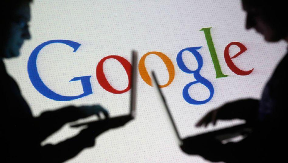 Laptop-Nutzer vor Google-Logo: Zeit bis zum 25. Januar