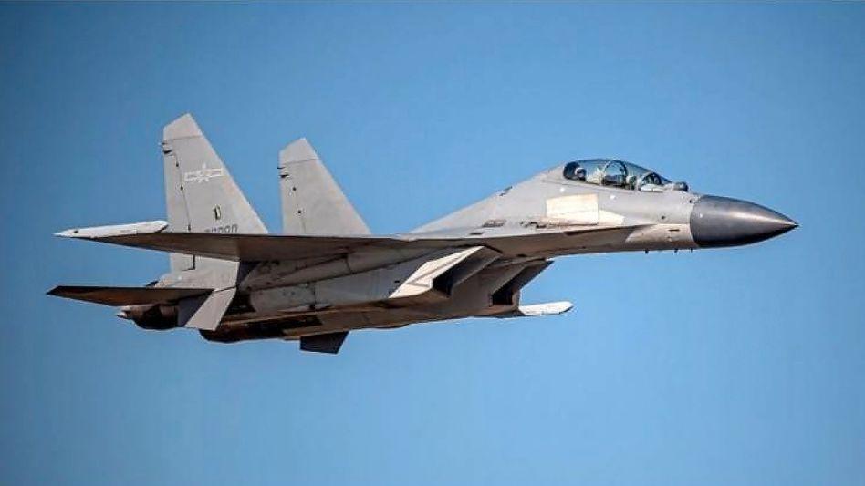 Chinesischer J-16-Kampfjet (Archivfoto): Peking droht mit einer gewaltsamen Eroberung